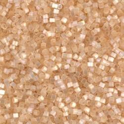 Delicas Miyuki 11/0 Cream Silk Satin ( DB0674 )
