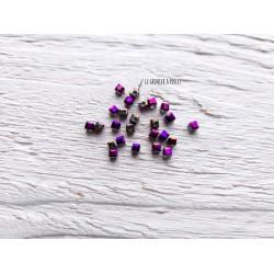 Perles CUBES 2 mm  Purple Iris x 25