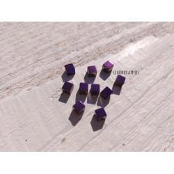 Perles Cubes 4 mm * Hématite Galvanisé Violet