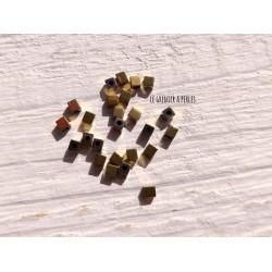 Perles CUBES 2 mm Hématite Doré  x 25