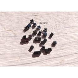 Perles CUBES 2 mm Hématite  x 25