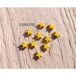 Perles Etoile 6 mm * Caoutchouc Jaune Pastel