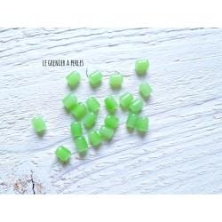 5 Perles Cylindre 6 x 8 mm Vert Perdidot