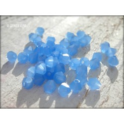 Toupies 4 mm Bleu Opal X 50