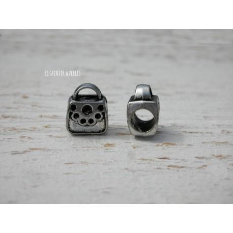 Perle à gros trou  10 x 9 mm Petit Sac