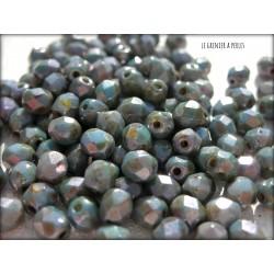 Facettes 4 mm CHALK WHITE BLUE LUSTER ( 65431 )