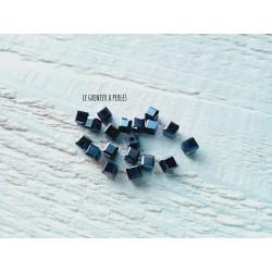 Perles CUBES 4 mm Hematite x 25