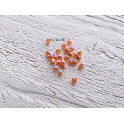 Perles CUBES 2 mm Orange AB  x 25