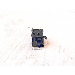 Pin's Chat Gris avec écharpe bleue