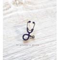 Pin's Stéthoscope Médecin Infirmière Violet
