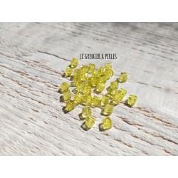 25 Perles CUBES 4 mm Jaune Citron