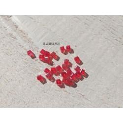 25 Perles CUBES 4 mm Rouge AB