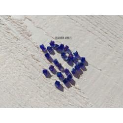 25 Perles CUBES 4 mm Bleu Cobalt AB