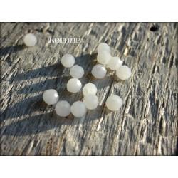 Perles Rondes Facettées 4 mm Cristal White Opal X 25