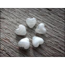 Perles COEUR en verre x 5 BLANC